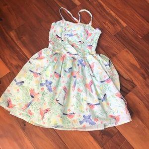 Lovely girly dress.